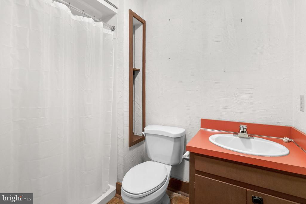 Full Bath with Shower - 7335 DANCE HALL RD, FREDERICK