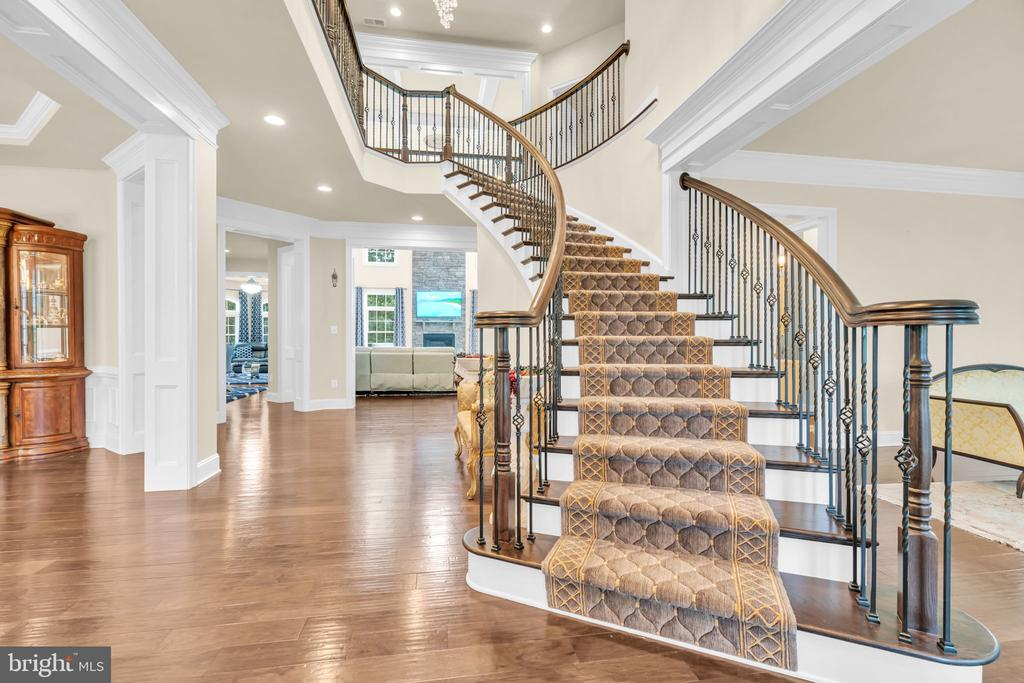 Grand Entry Foyer With Curved Staircase - 41219 TRAMINETTE CT, ASHBURN