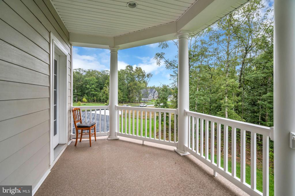 Covered Rear Porch off Master Bedroom - 41219 TRAMINETTE CT, ASHBURN