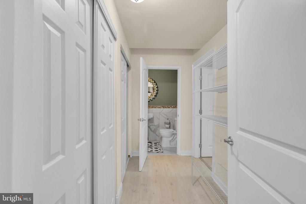 Basement - Laundry Hallway - 41219 TRAMINETTE CT, ASHBURN