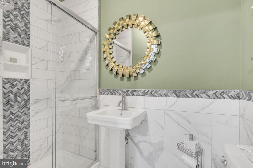 Basement -Full Bath - 41219 TRAMINETTE CT, ASHBURN