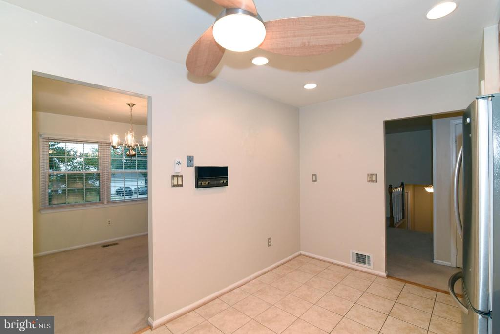 Room for a breakfast table - 12818 FANTASIA DR, HERNDON