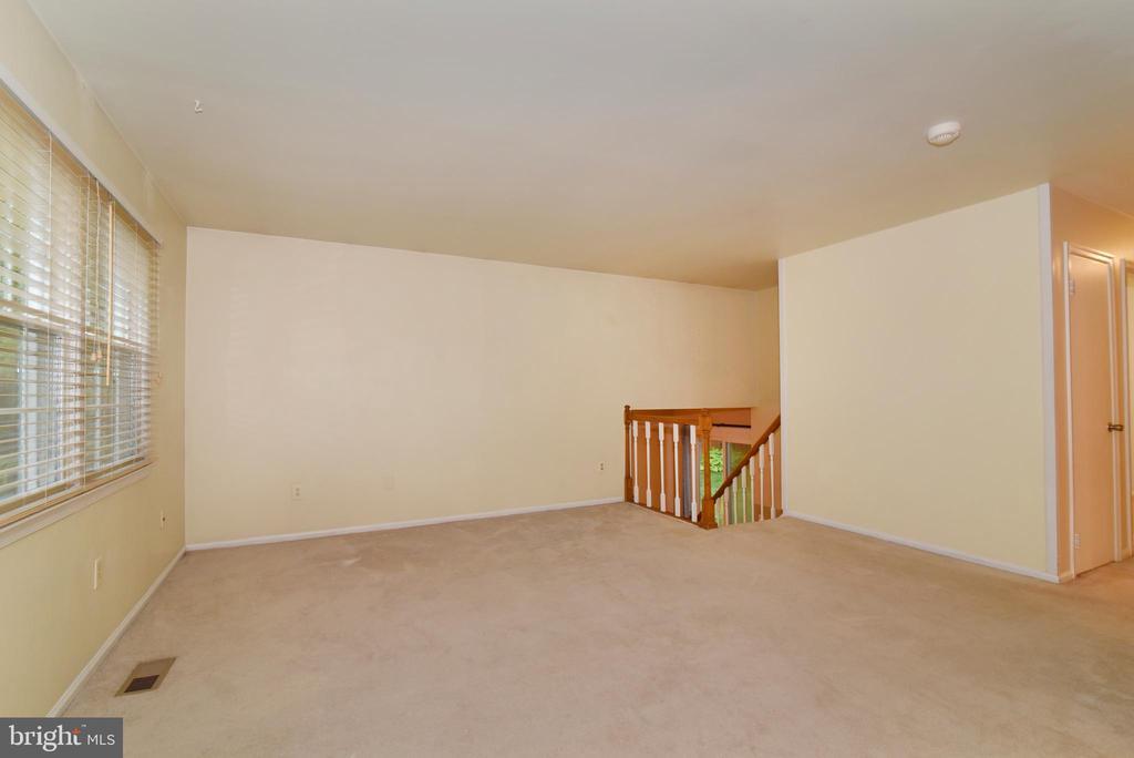 Living Room - 12818 FANTASIA DR, HERNDON
