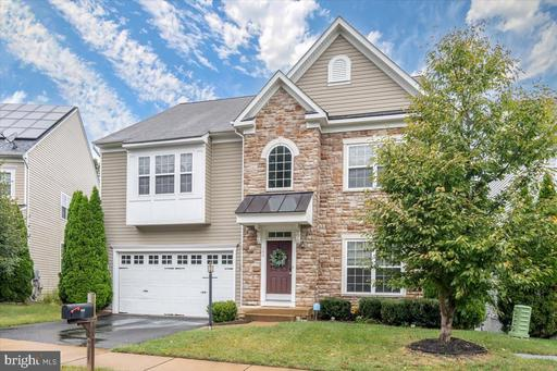 144 CARRIAGE HILL DR
