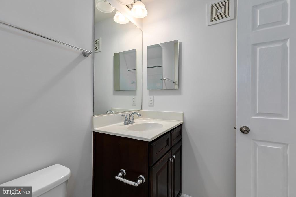 - 25235 ORCHARD VIEW TER, CHANTILLY