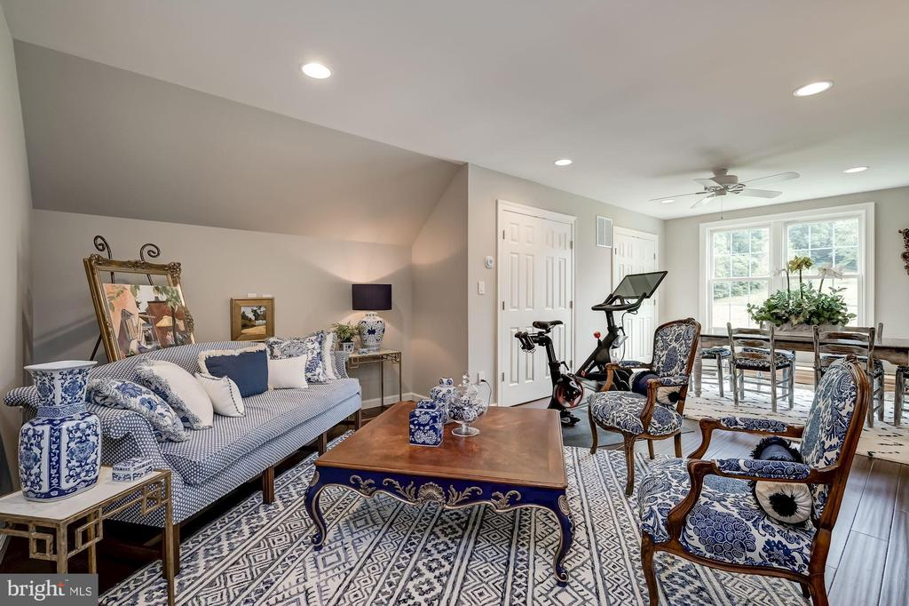 Guest House Suite - 7549 FINGERBOARD RD, FREDERICK