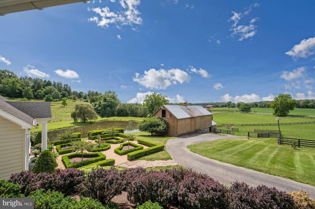 View of Parterre Garden & Barn from Side Porch - 7549 FINGERBOARD RD, FREDERICK