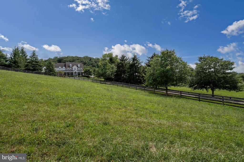 Private and Secluded - 7549 FINGERBOARD RD, FREDERICK