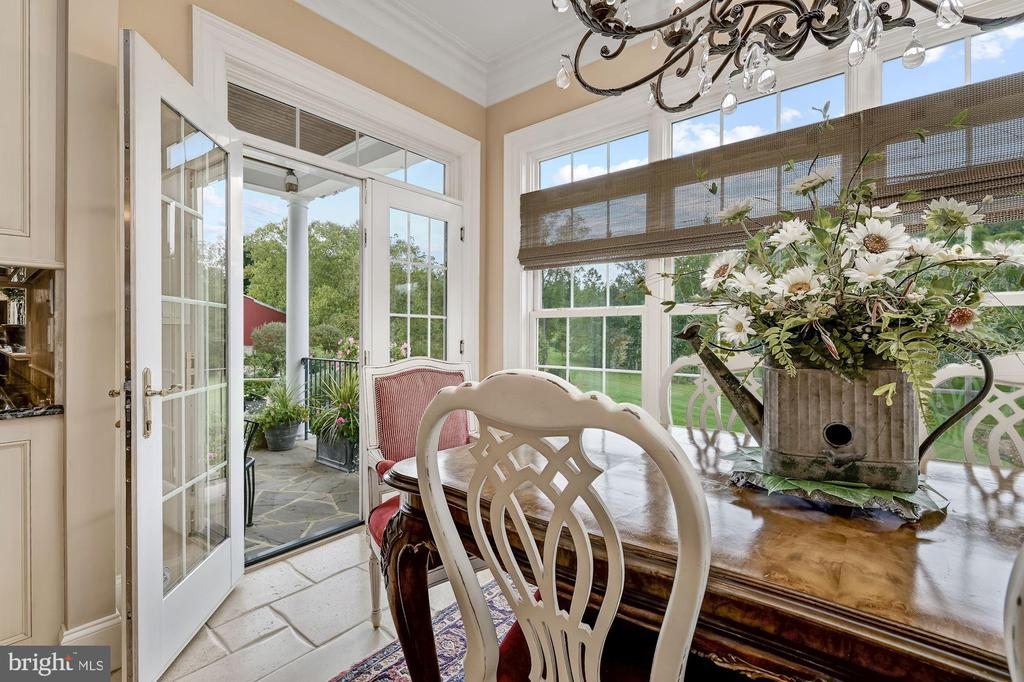 Atrium Access to Stone Dining Patio - 7549 FINGERBOARD RD, FREDERICK