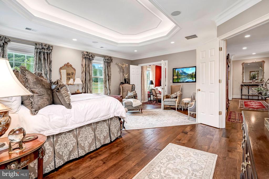 Primary Bedroom Suite w/ Garden Views - 7549 FINGERBOARD RD, FREDERICK