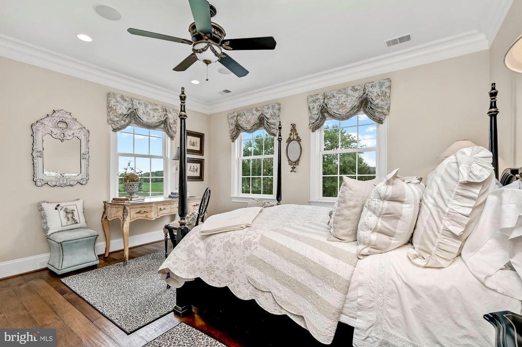 En-Suite Bedroom Three - 7549 FINGERBOARD RD, FREDERICK