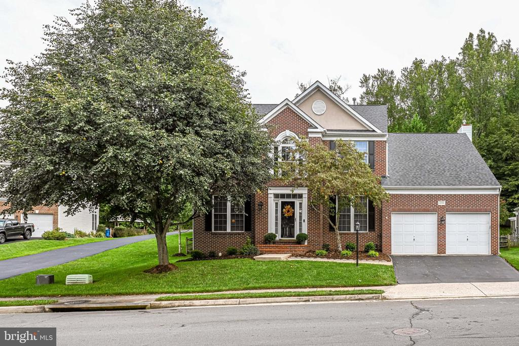 - 47196 MIDDLE BLUFF PL, STERLING