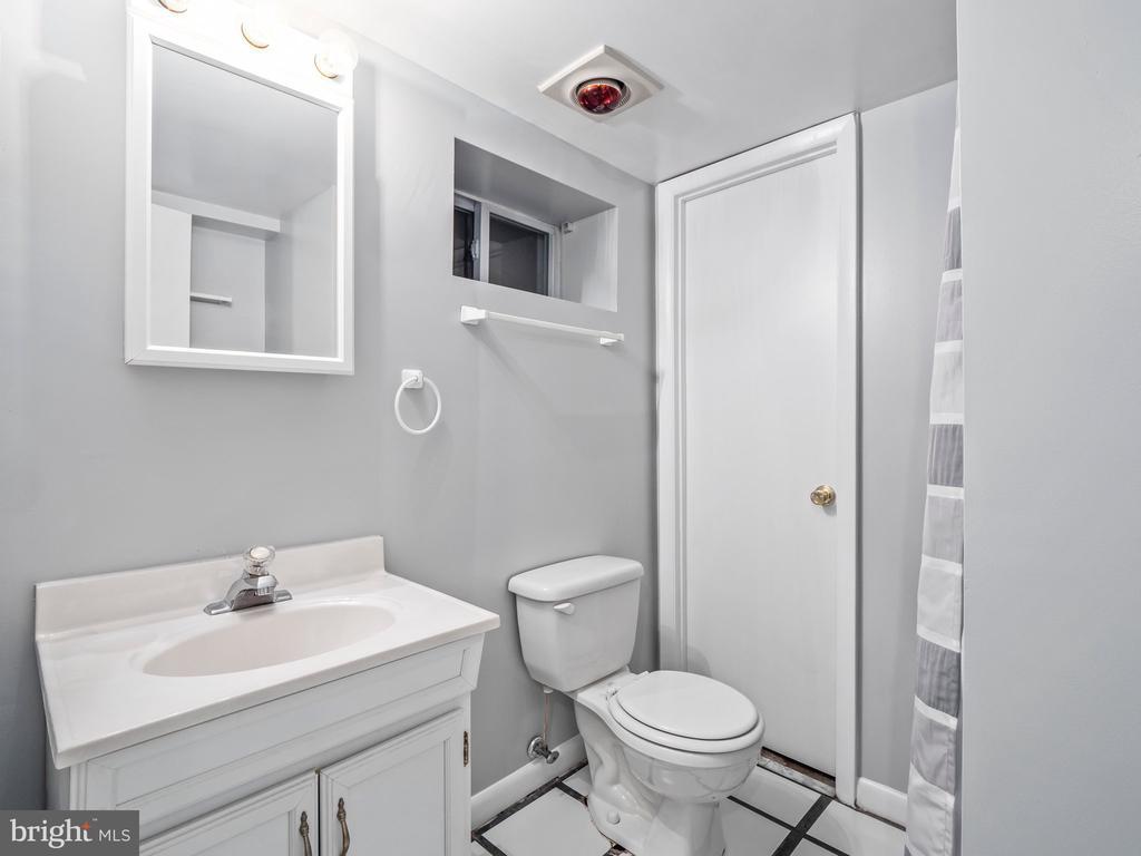 Basement Bathroom - 713 N OAKLAND ST, ARLINGTON