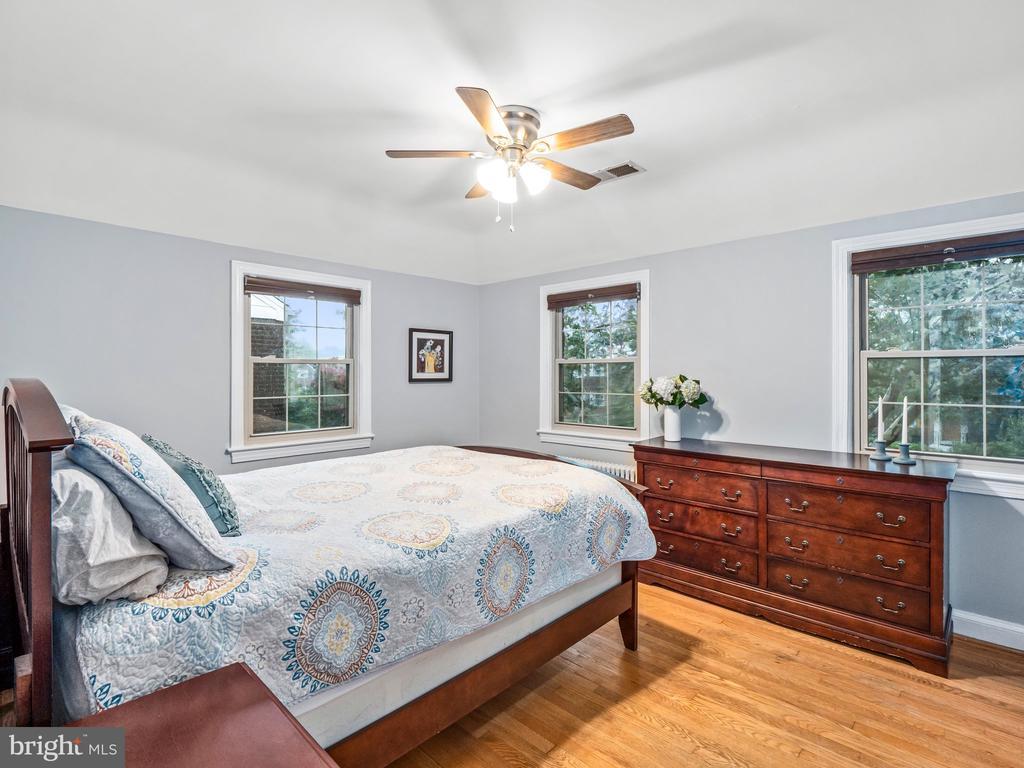 Main Bedroom - 713 N OAKLAND ST, ARLINGTON