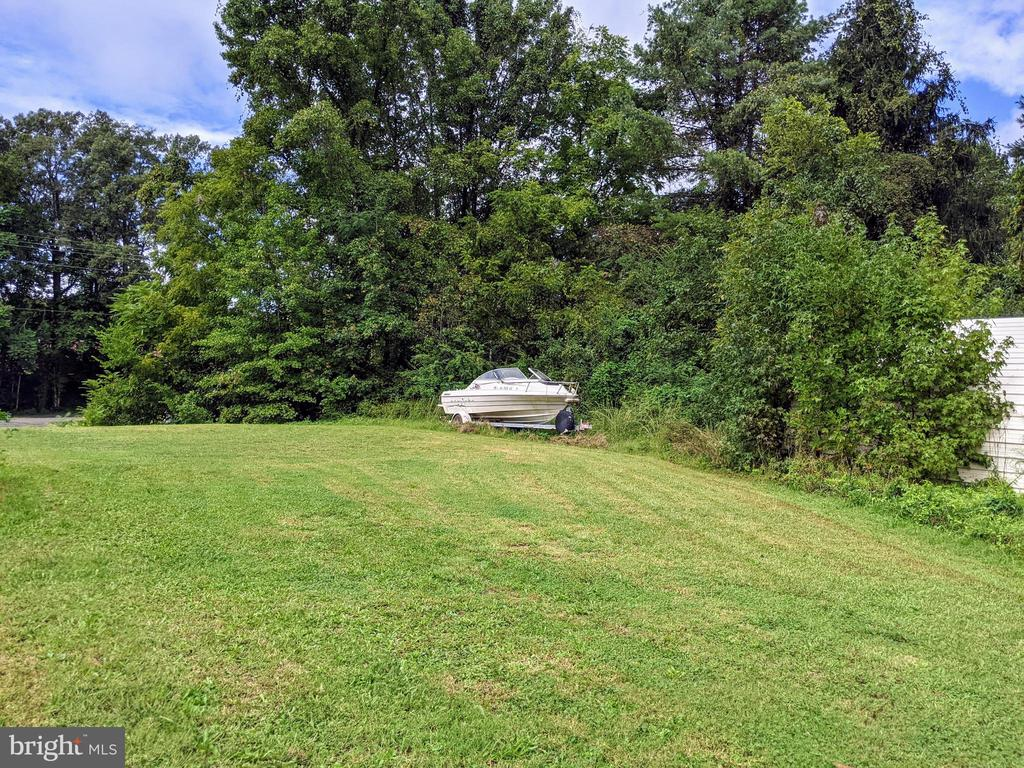 RV hanger yard view (boat does not convey) - 11291 PINE HILL RD, KING GEORGE