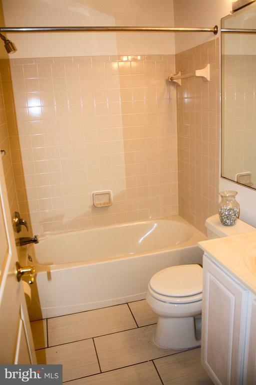 Basement bathroom - 3045 PONY RIDGE TURN, DUMFRIES
