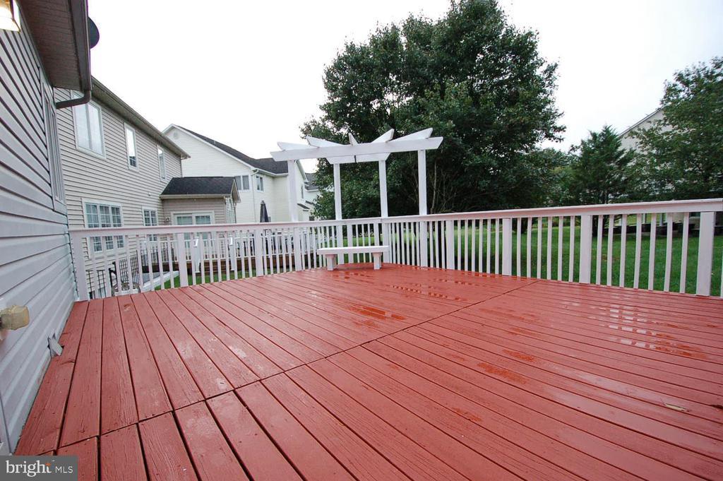 Freshly painted deck over looking open space - 8599 EASTERN MORNING RUN, LAUREL