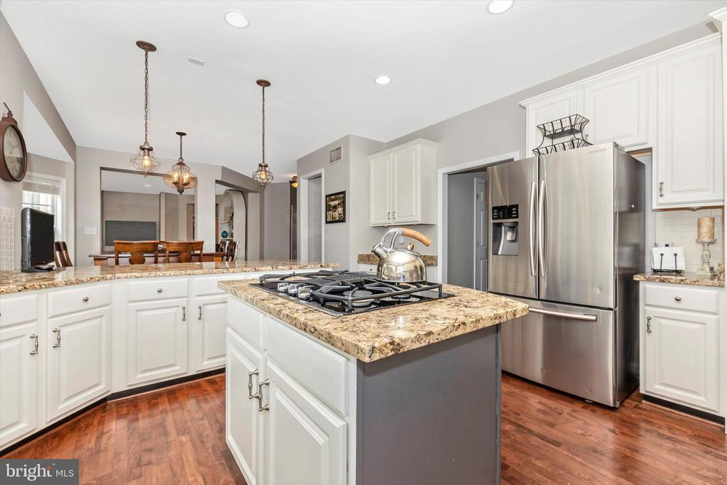 Kitchen - 9803 PEBBLE BEACH CT, IJAMSVILLE
