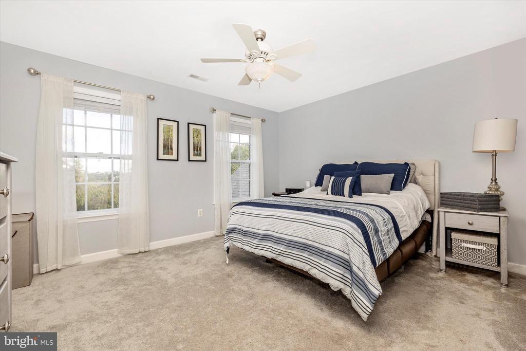 Bedroom 2 - 9803 PEBBLE BEACH CT, IJAMSVILLE