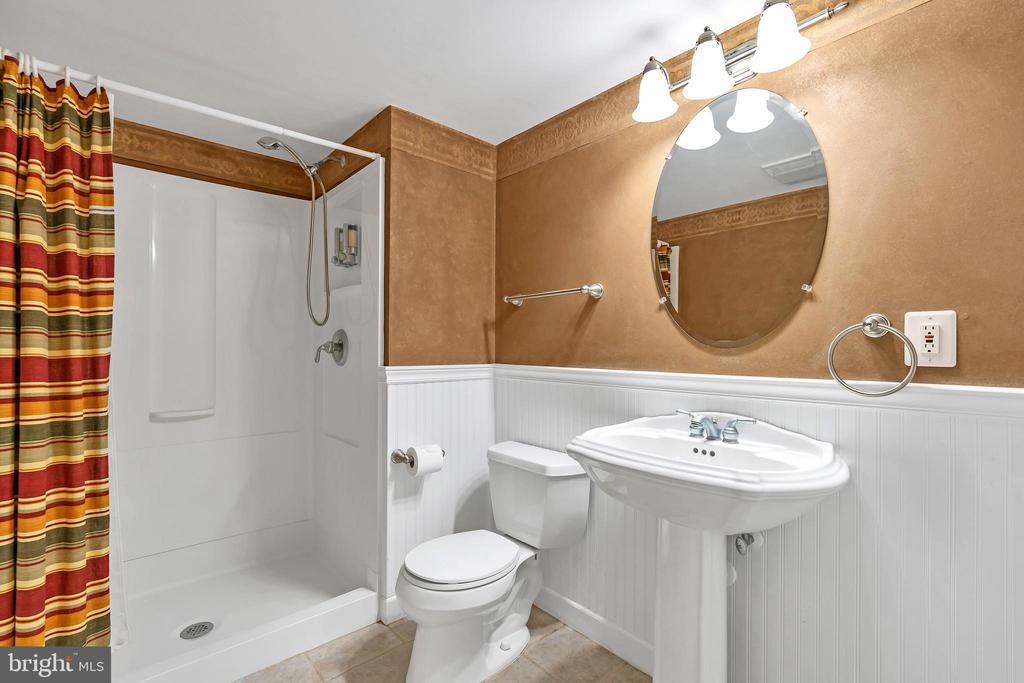 Full Bath in Lower Level - 104 SHERIDAN WAY SW, LEESBURG