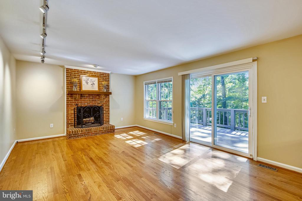 open to large deck with steps down to rear yard - 11955 GREY SQUIRREL LN, RESTON