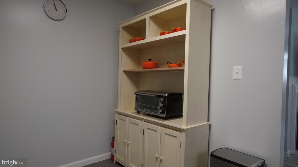 Kitchen area storage - 11713-D KARBON HILL CT #707A, RESTON