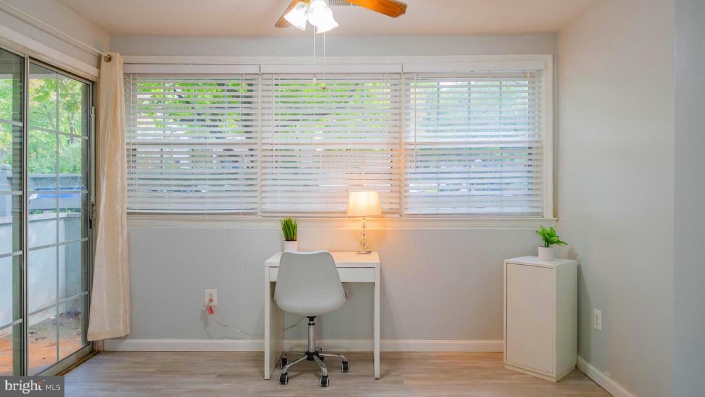 Perfect office niche - 11713-D KARBON HILL CT #707A, RESTON
