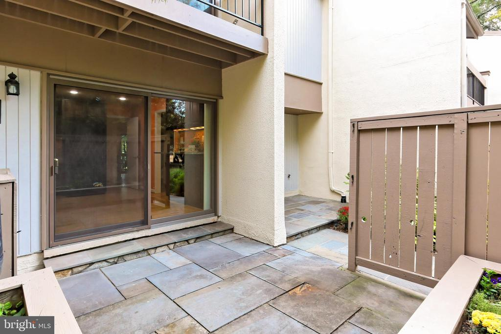 Front patio - 11704 NEWBRIDGE CT, RESTON