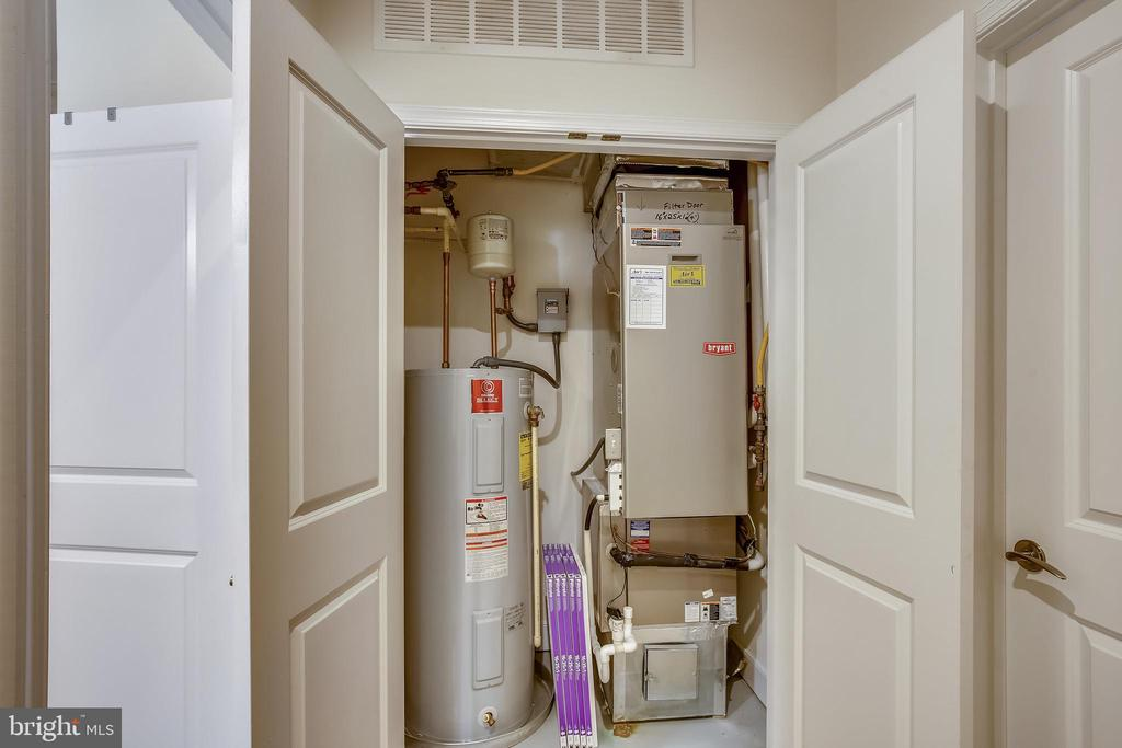 Upstairs utility closet - 1418 N RHODES ST #B-112, ARLINGTON