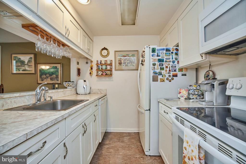 Kitchen - 2921-B S WOODLEY ST #1, ARLINGTON