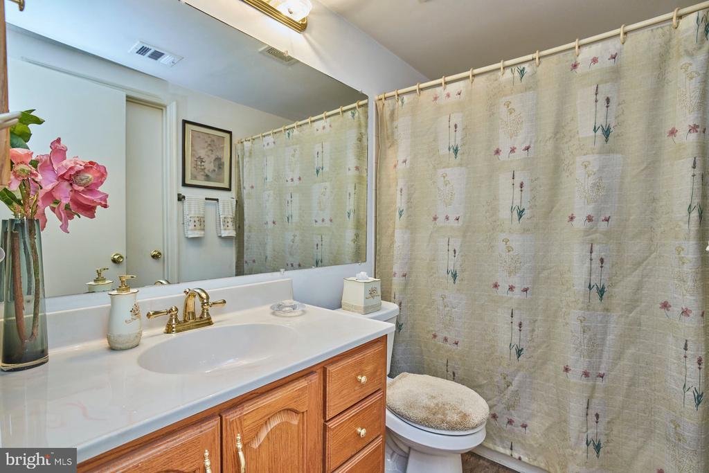 Two Sinks - 2921-B S WOODLEY ST #1, ARLINGTON