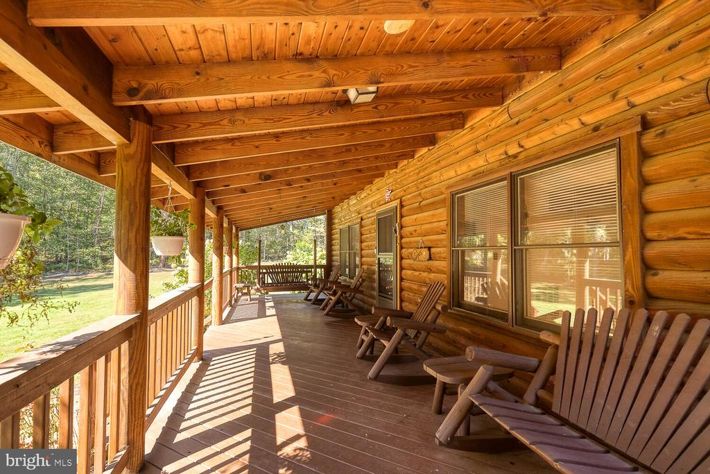 Covered front porch - 29471 NEW HAMPSHIRE RD, RHOADESVILLE