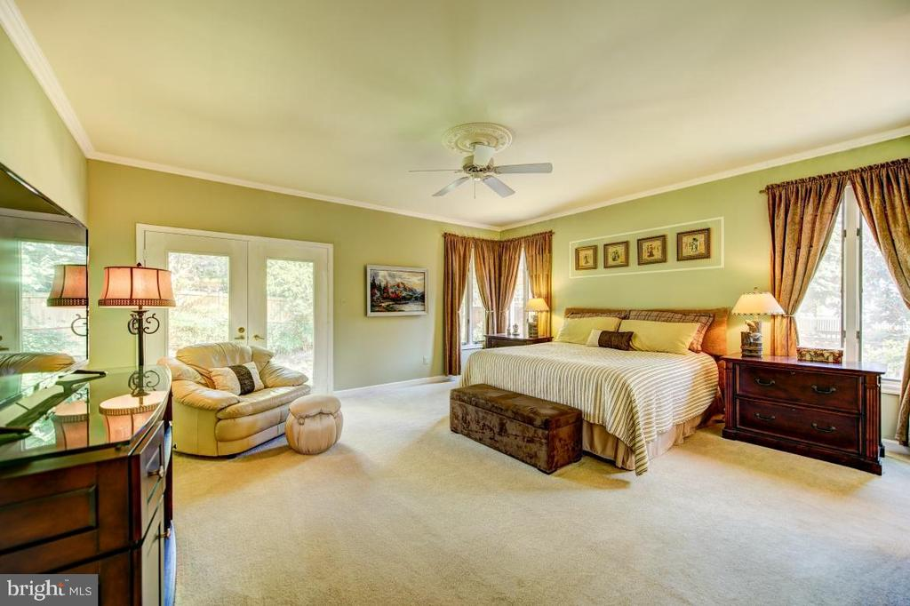 - 2623 IRON FORGE RD, OAK HILL