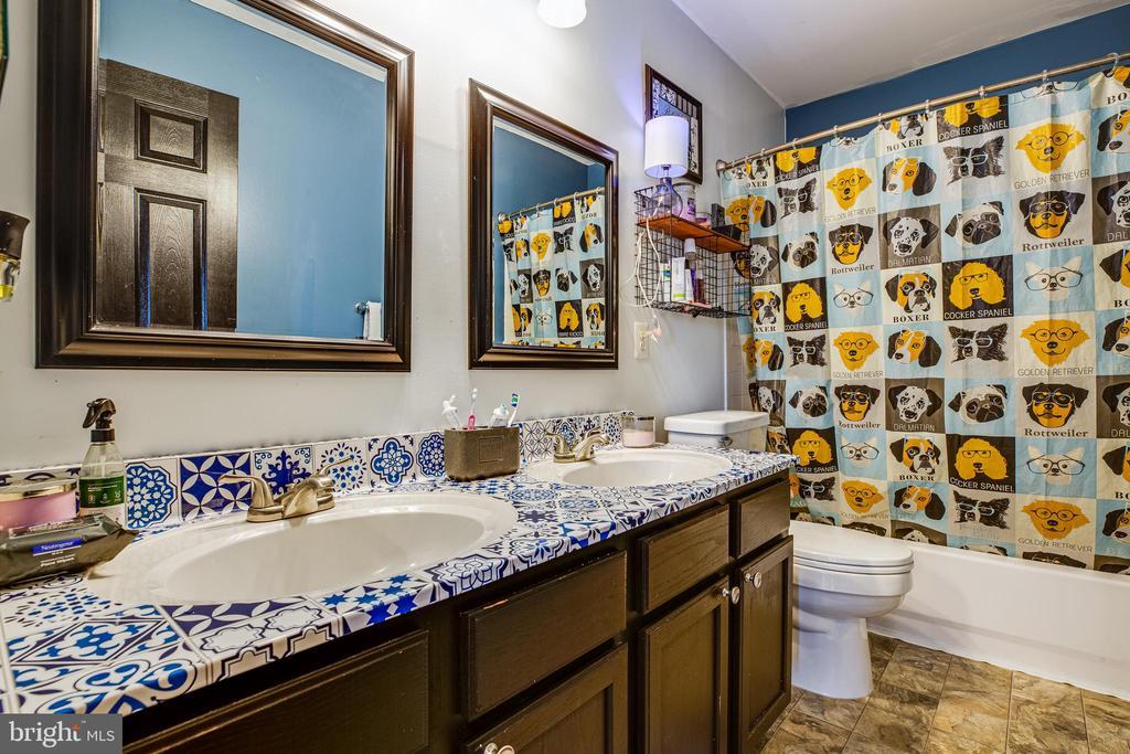 Upper Hall Full Bath - 8 REMINGTON CT, STAFFORD