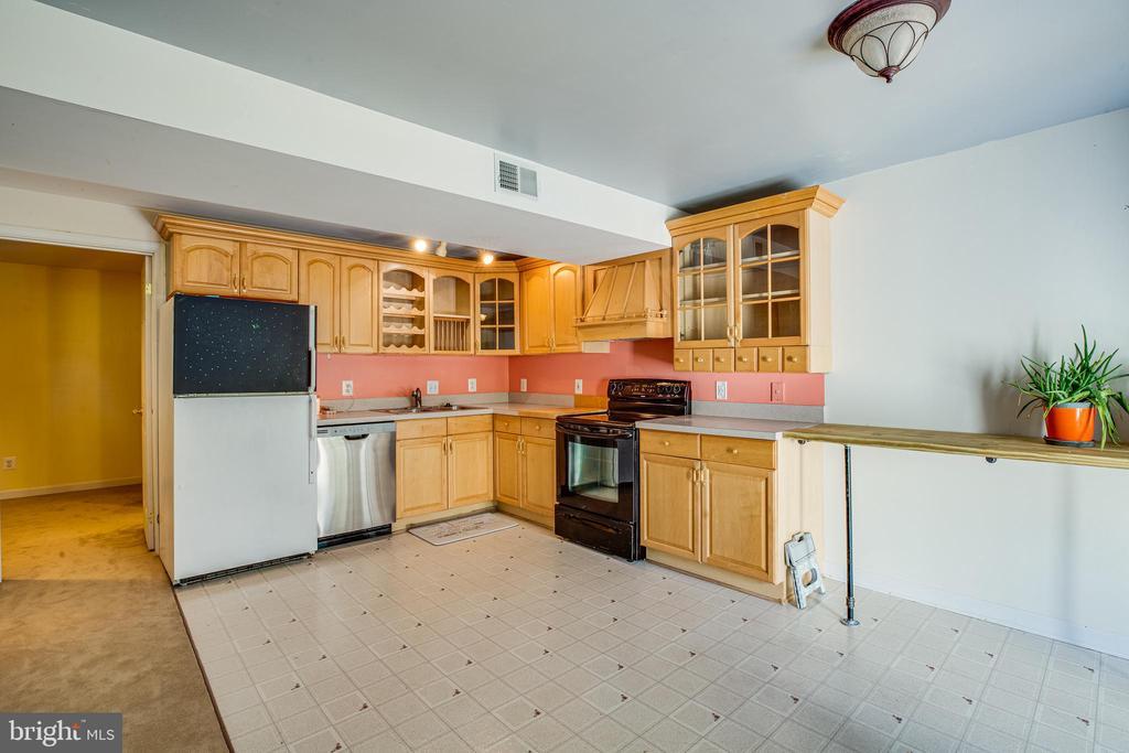 Basement Kitchen - 8 REMINGTON CT, STAFFORD