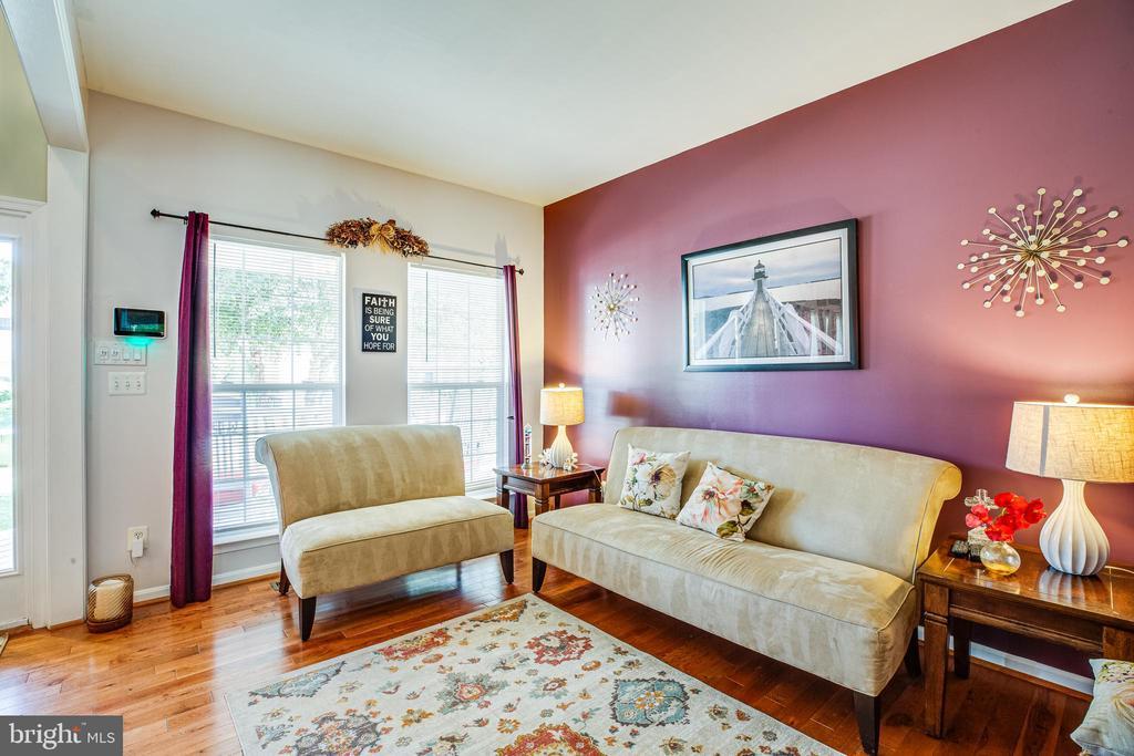 Living Room - 8 REMINGTON CT, STAFFORD