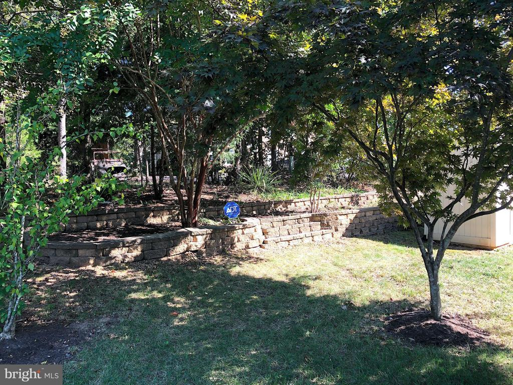 Great combo; fun in the sun or relax in the shade - 9835 PLAZA VIEW WAY, FREDERICKSBURG