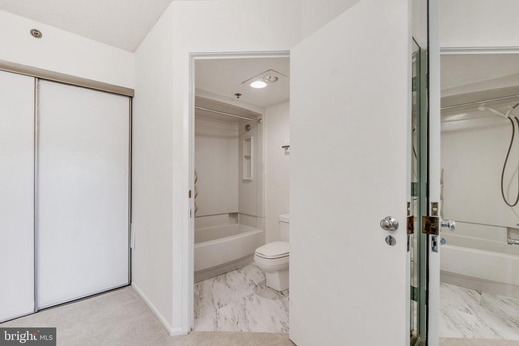 Primary bathroom - 3330 N LEISURE WORLD BLVD #5-518, SILVER SPRING