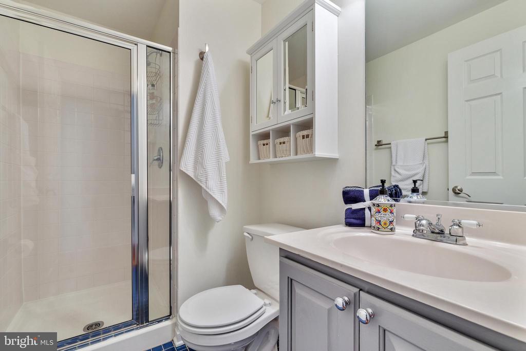 Lower level Full bath - 717 KENT OAKS WAY, GAITHERSBURG