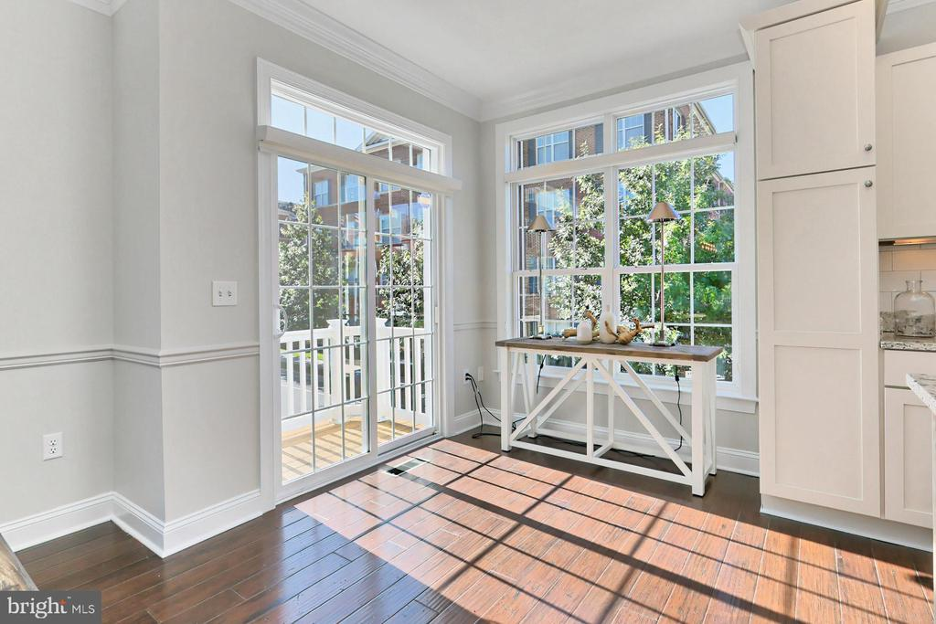 Easy access to the deck - 4348 4TH N, ARLINGTON