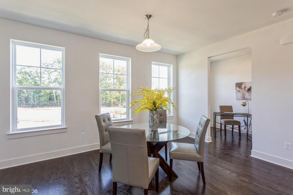 Dining with pocket office entrance - 1634 SANDPIPER BAY LOOP, DUMFRIES