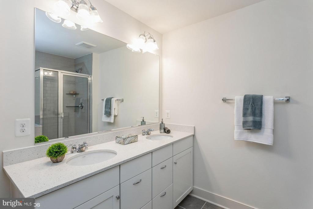 Primary bathroom - 1634 SANDPIPER BAY LOOP, DUMFRIES