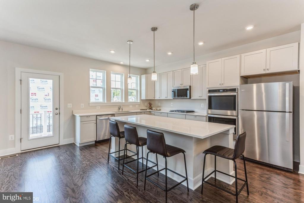 Kitchen with partial water view balcony - 1638 SANDPIPER BAY LOOP, DUMFRIES