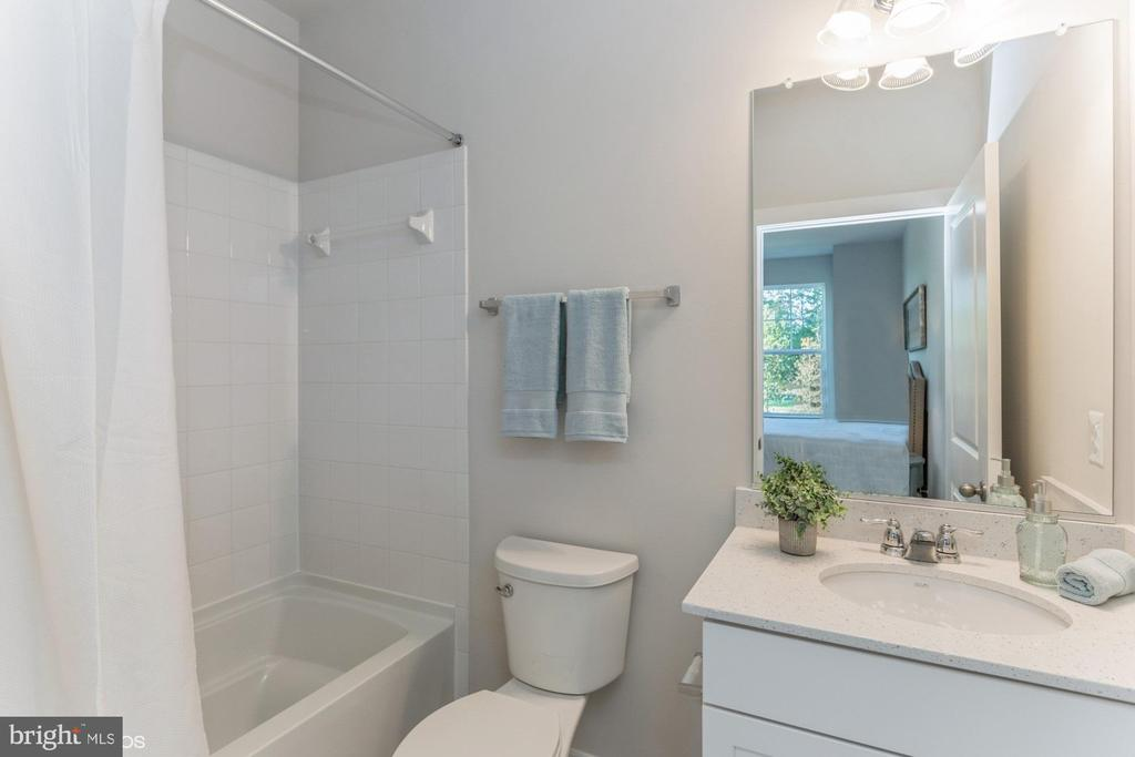 Private bathroom - 1638 SANDPIPER BAY LOOP, DUMFRIES