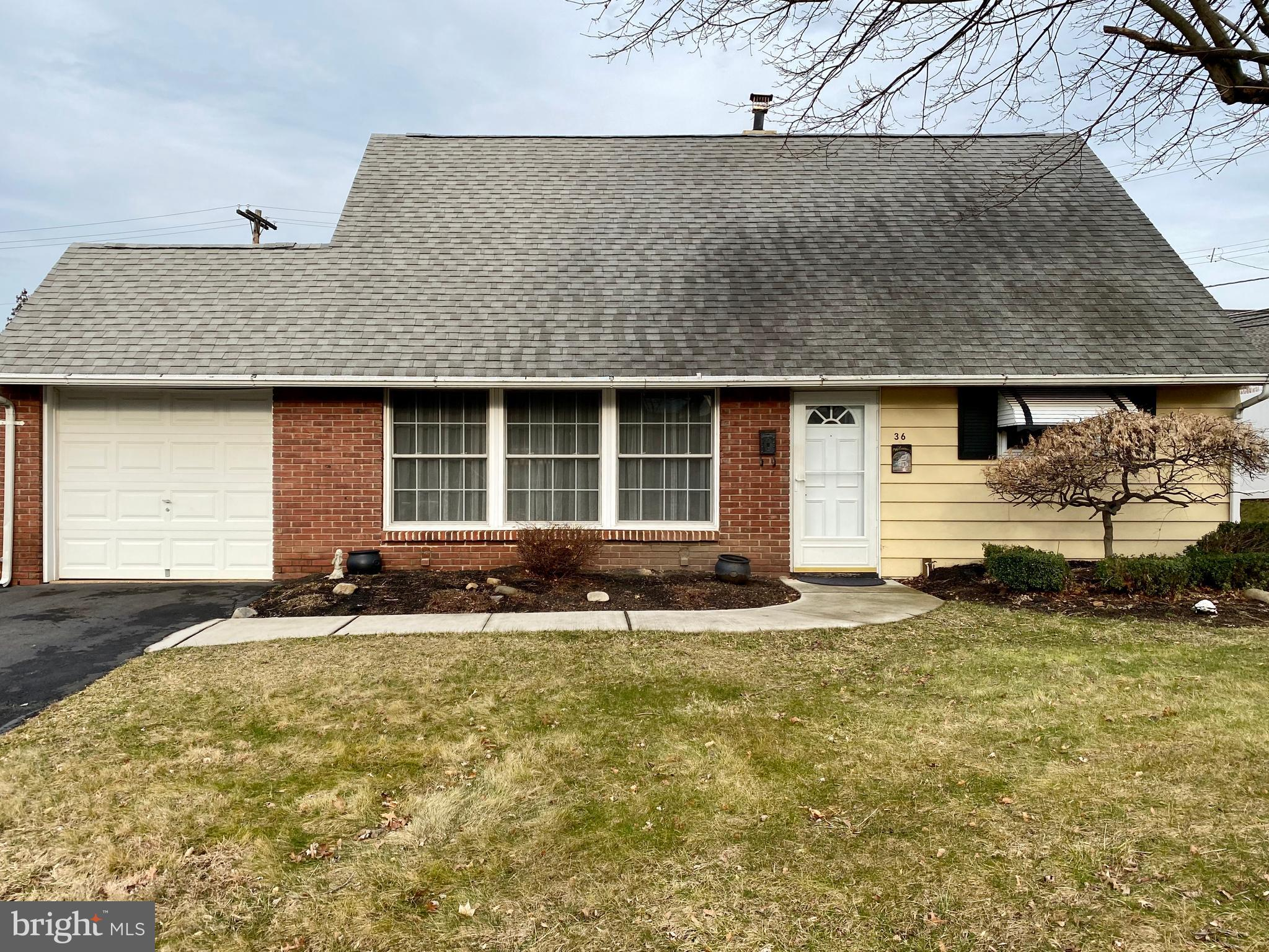 36 HEARTH ROAD, LEVITTOWN, PA 19056