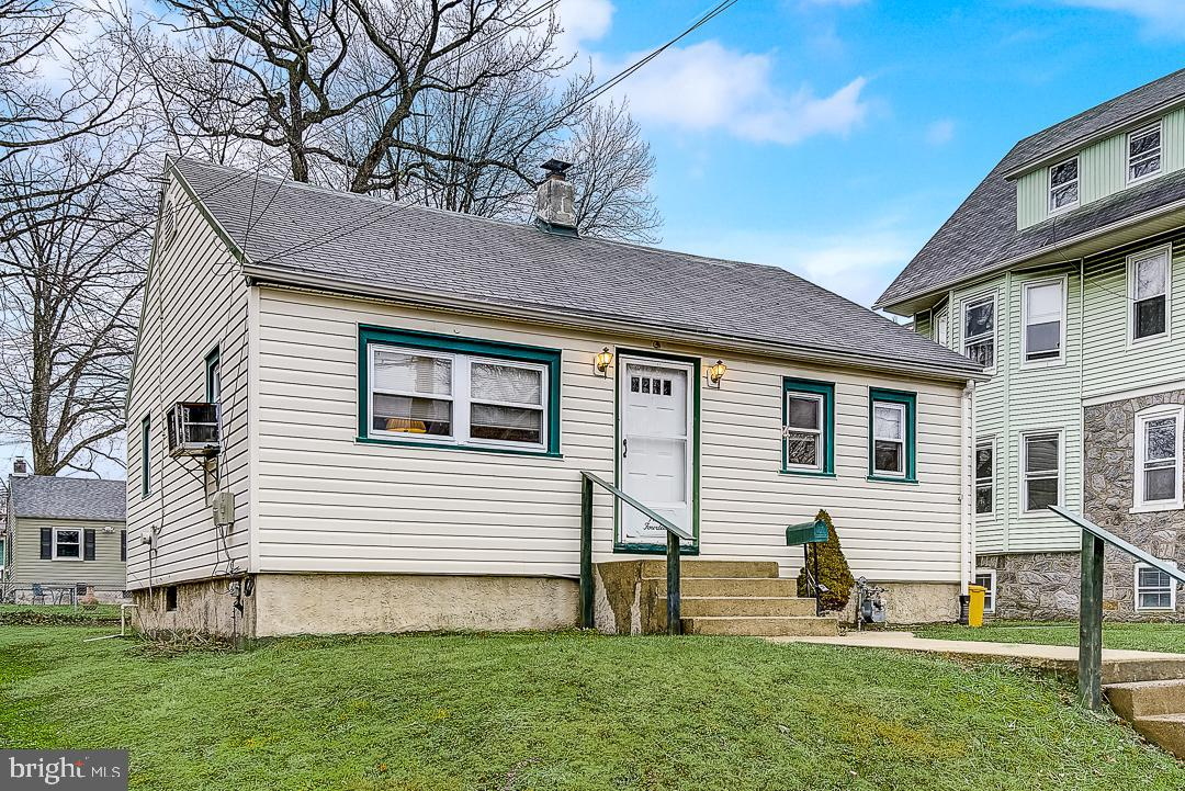 914 Bartram Avenue, Collingdale, PA 19023