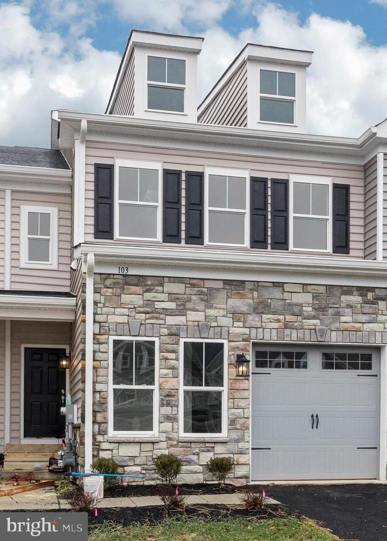 103 Trotters Court Newtown Square, PA 19073