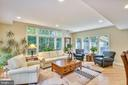 11458 Bronzedale Dr