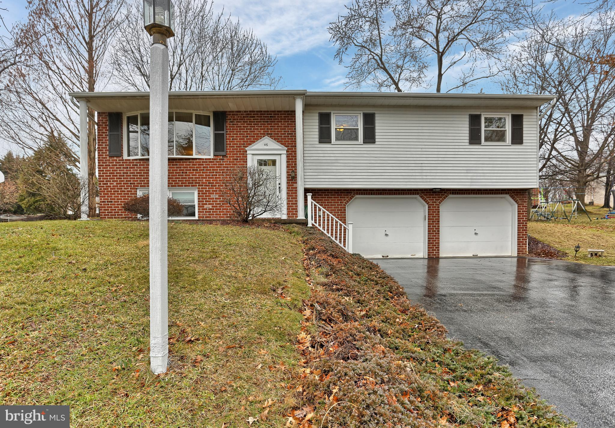 46 FARMINGTON DRIVE, YORK, PA 17407