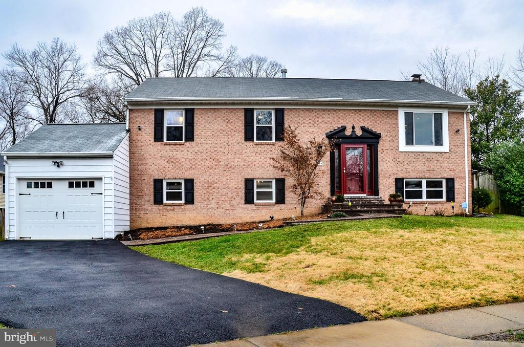 6108 Mulberry Ct, Alexandria, VA 22310